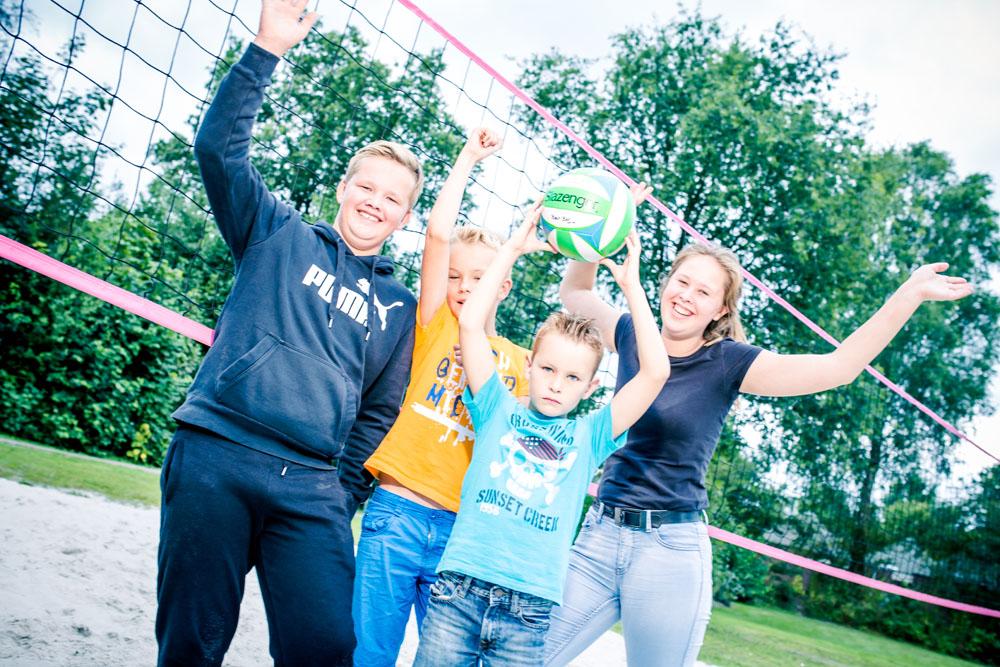 Camping Friesland met zwembad en sportveld